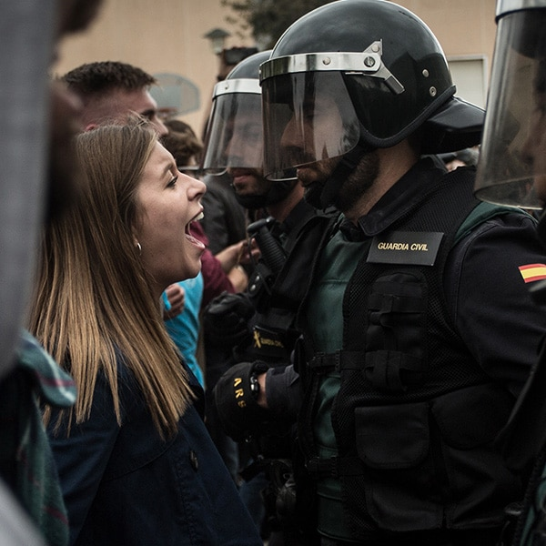 Catalunya Barcelona shows an example of the confrontation between police and citizens on September 20, 2017