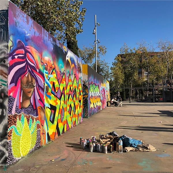 Graffiti image while Mugraff talks to Catalunya Barcelona team