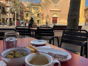 Olives, coffee and sardines on Barcelona's Plaça de la Concòrdia