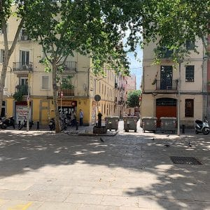 sunny day on Plaça del Raspall