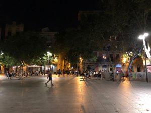 Promenade at night Barcelona's Plaça del Diamant