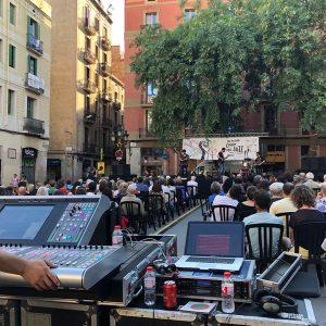 Musical performance at Barcelona's Plaça de la Vila de Gràcia