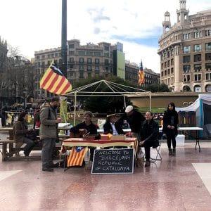 People demonstrate for independence on Barcelona's Plaça de Catalunya
