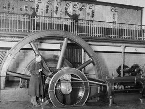 1919 - Military operating machinery at Cornellá de Llobregat during La Canadenca strike.