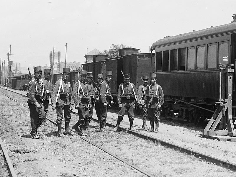 1917 - Trains taken into custody during the Companyia del Nord strike.