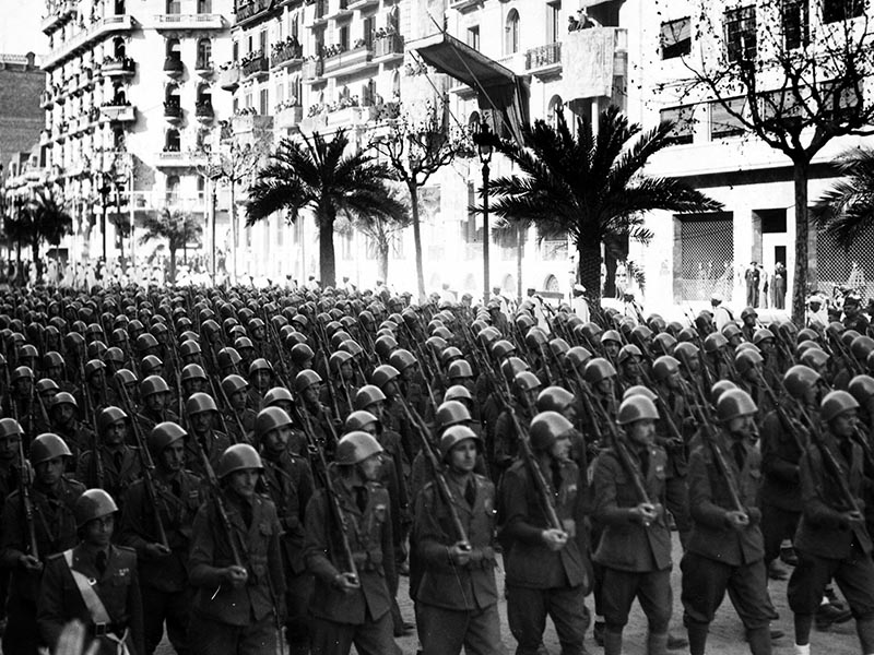 1939 - Occupation of Barcelona. Parade of Italian Black Arrows.