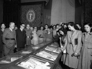 1945 - Event in University of Barcelona library.