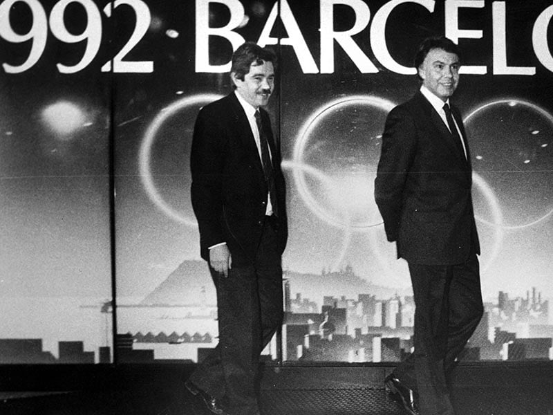 1986 - Felipe González and Pasqual Maragall visit Barcelona Olympic Office.