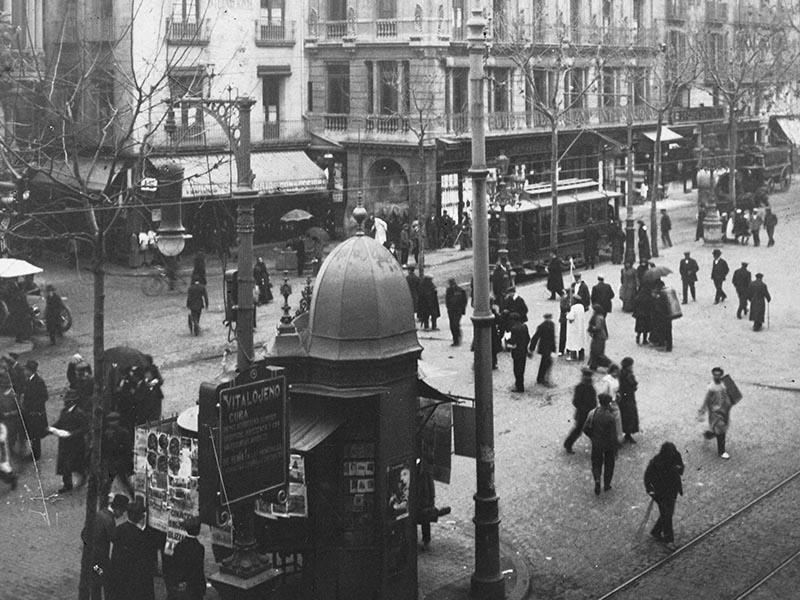 1913 - Plaça de la Boqueria on Les Rambles.