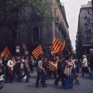 Barcelona citizens bearing Catalan flags in the 1970s