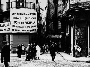 1908 - Argenteria Street from Plaça de l'Angel
