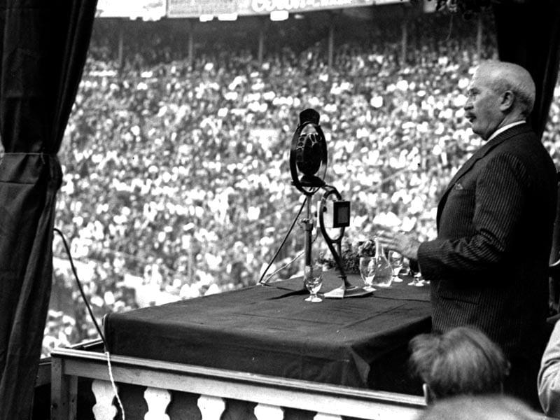 1931 - Alejandro Lerroux speaking the Monumental bullring in Barcelona.